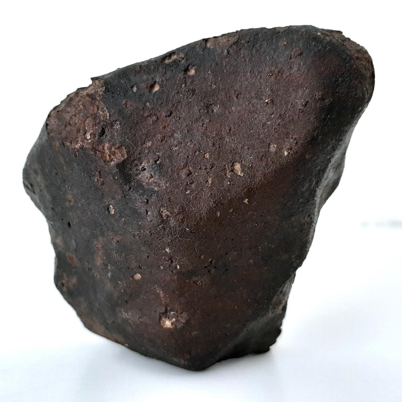 Sayh al Uhaymir. SaU 001 meteorite. 95% crust.